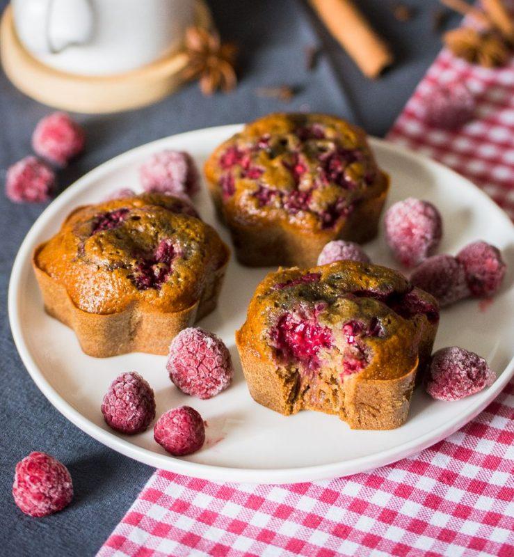 Gâteau aux épices et aux fruits rouges