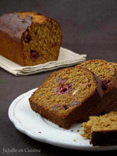Gâteau aux épices et aux fruits rouges (sans beurre, sans lait)
