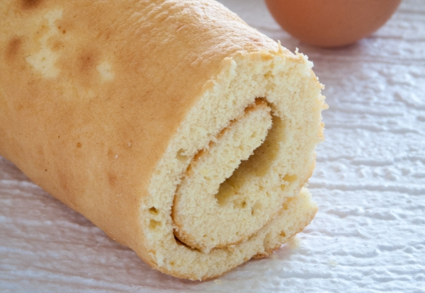Biscuit façon génoise pour gâteau roulé ou bûche de Noël (sans beurre)