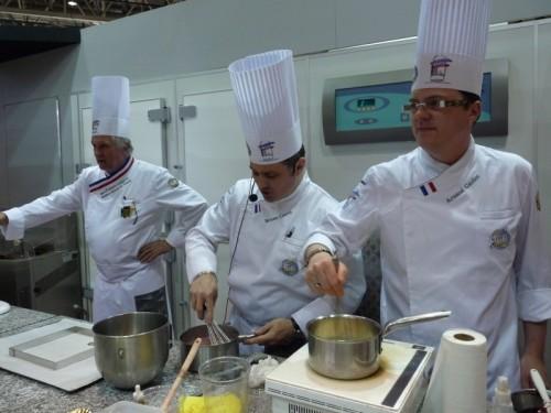 (de gauche à droite) Jean-François Langevin - MOF, Bruno Couret - Maître Pâtissier, Arnaud Gautier - Maître pâtissier.