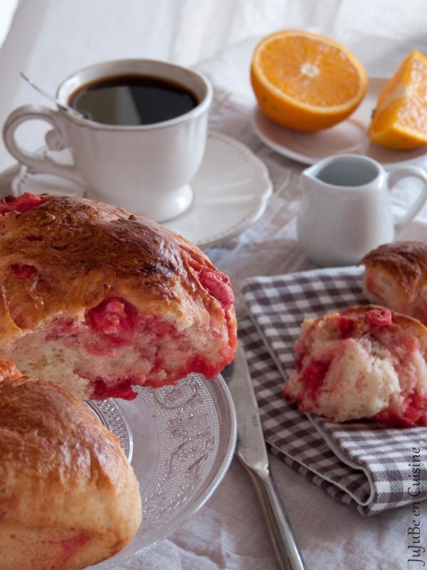 Le Gâteau Labully ou Saint Genix ou tout simplement brioche aux pralines (à ma façon)