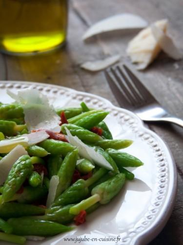 Salade d'ornithogales (tomates séchées et parmesan)