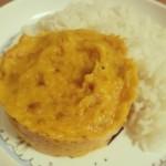 Courge butternut rôtie réduite en purée avec du lait de coco