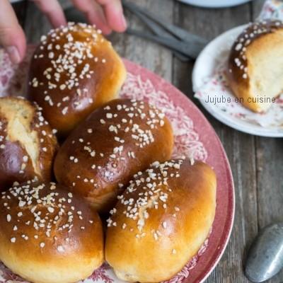 Petits pains au lait (à la fleur d'oranger et perles de sucre)