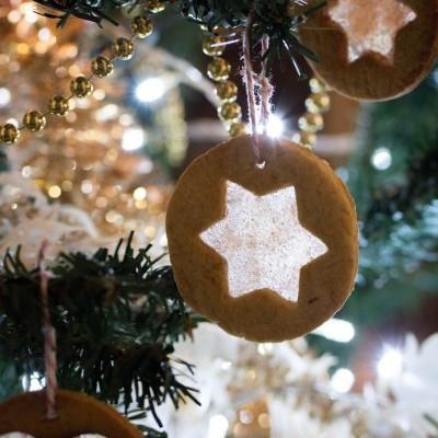 Biscuits vitraux (pour décorer votre sapin de Noël)