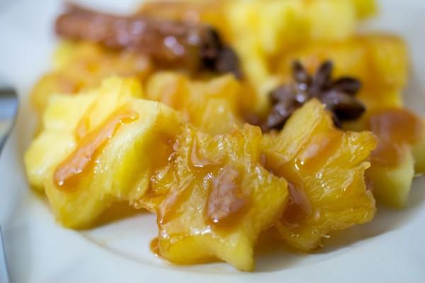 Ananas caramélisé aux épices {Menu étoilé}
