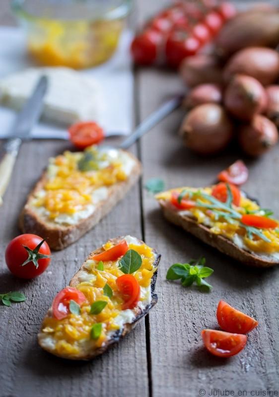 Tartines sucré-salé : chèvre et échalotes confites à l'orange