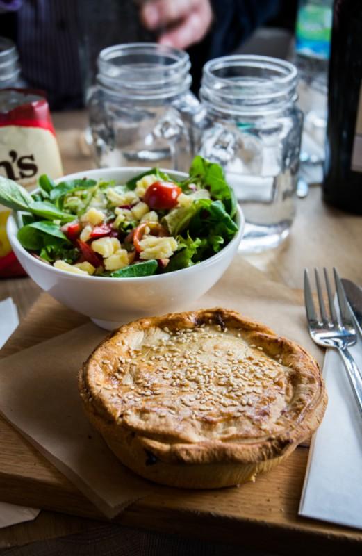 Tourte (« pie ») au poulet, champignon et whisky