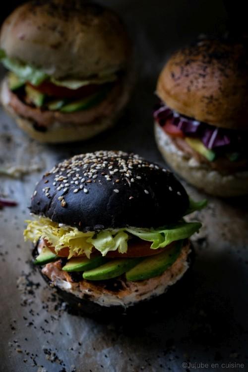 Burger (noir) au saumon frais | Jujube en cuisine