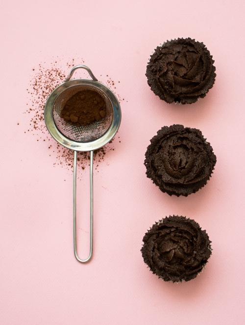 Cupcakes au chocolat signés Cloud Cakes | illustration de 'Les desserts sans' | Jujube en cuisine