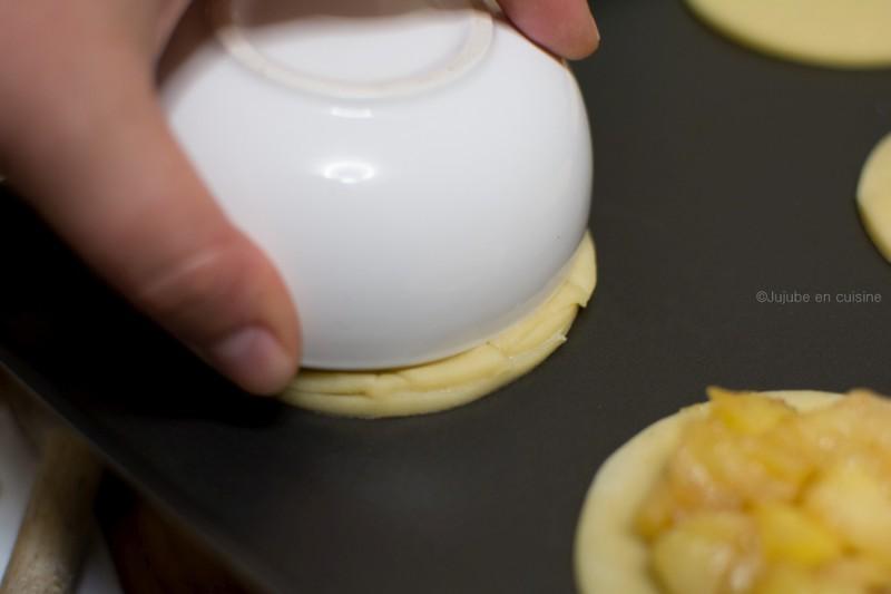 Apple pie Cookies | Déposez vos disques tressez sur le premier disque, recouvert de pommes, puis soudez les bords à l'aide d'un ramequin par exemple | Jujube en cuisine