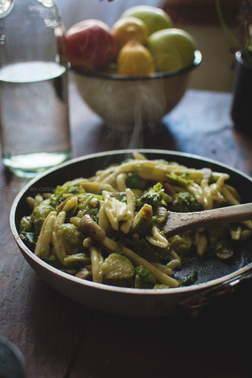 Pâtes aux choux de Bruxelles et champignons | Jujube en cuisine