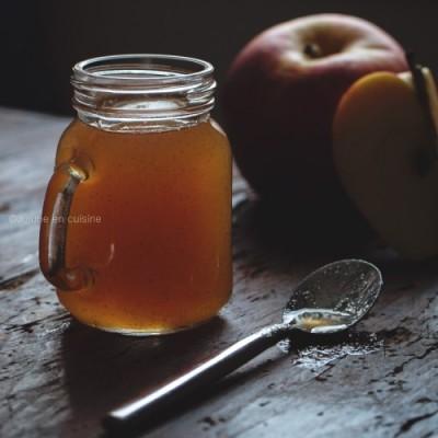 Sirop (ou caramel) de pomme à la cannelle