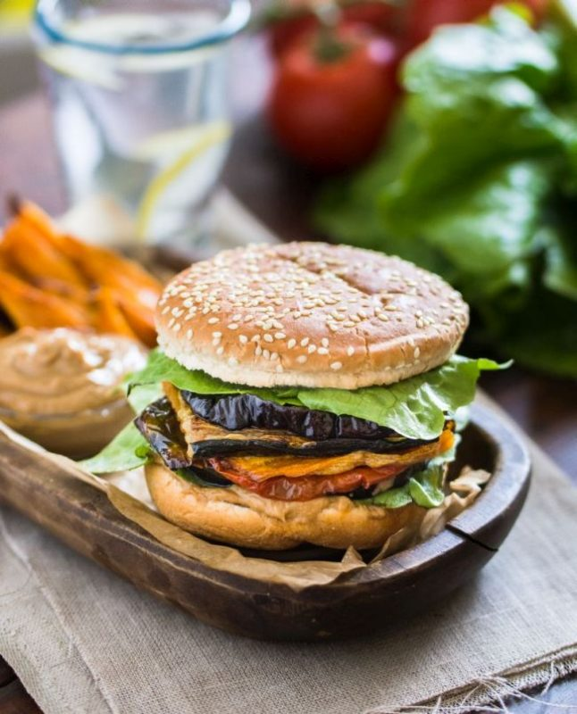 Burger de légumes | Passionnément Vegan | Au vert avec Lili & Jujube en cuisine
