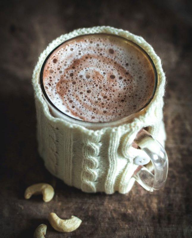 Délicieux chocolat chaud au lait de noix de cajou | Jujube en cuisine