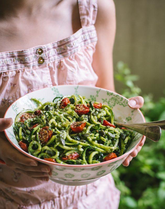 Salade de spaghetti de courgette et sauce déesse verte | Jujube en cuisine