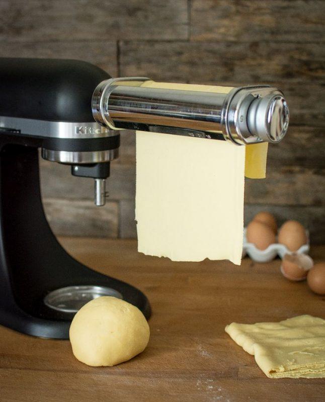 Set machine à pâtes (laminoir) & rouleaux découpeurs (pour tagliatelles et spaghettis) | KitchenAid | Jujube en cuisine